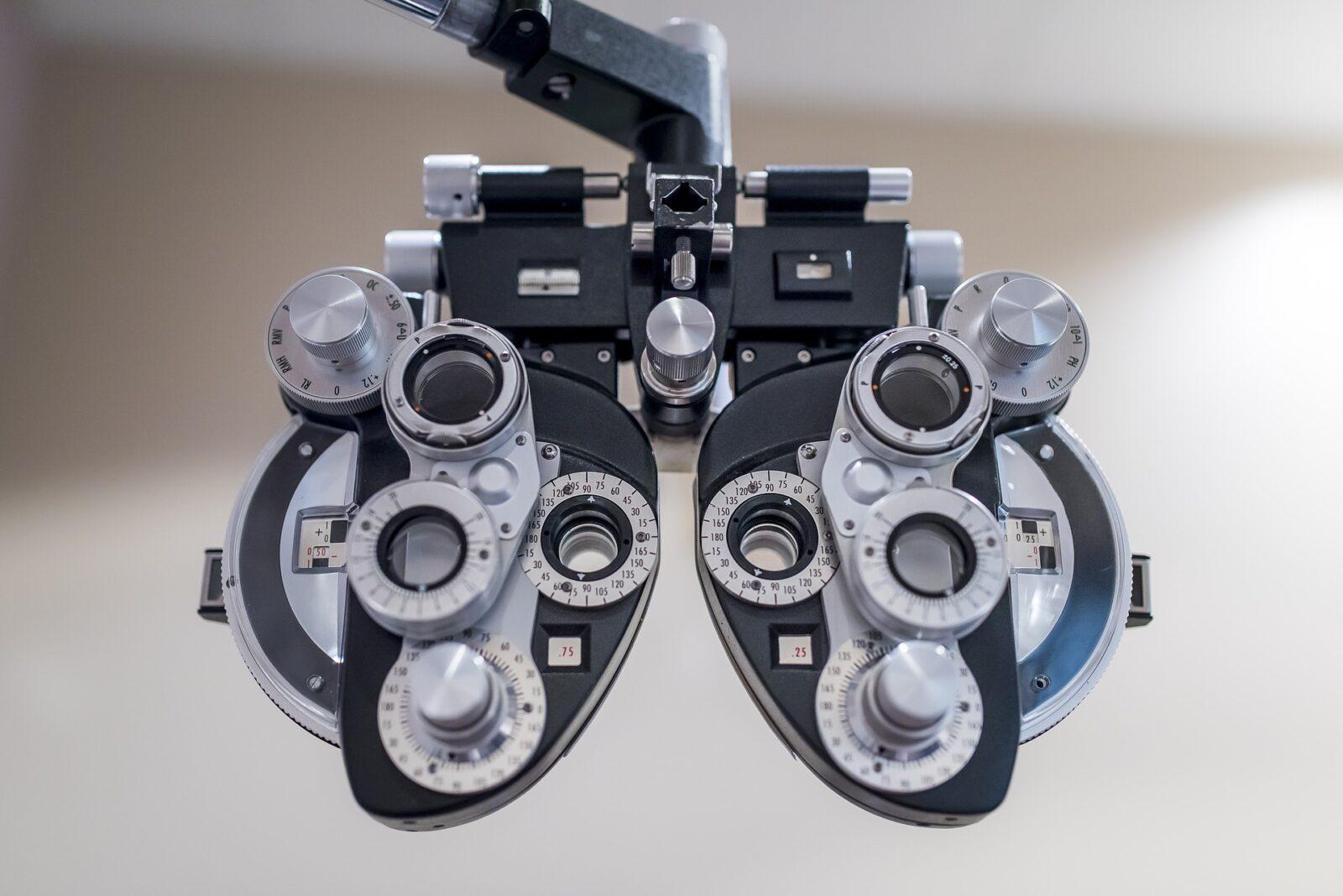jak wygląda wizyta u okulisty